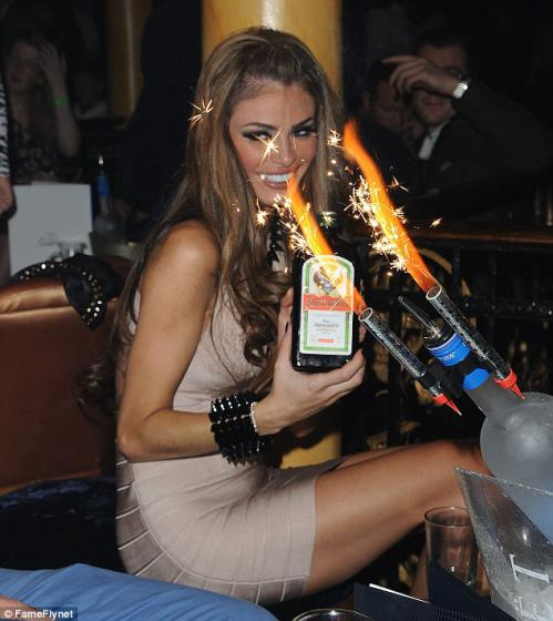 Chloe Sims hosted a party for her 31st birthday (1)
