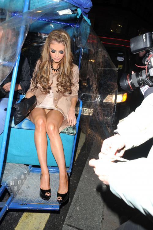 Chloe Sims hosted a party for her 31st birthday (6)