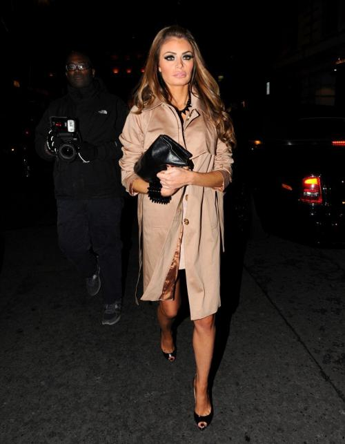 Chloe Sims hosted a party for her 31st birthday (8)