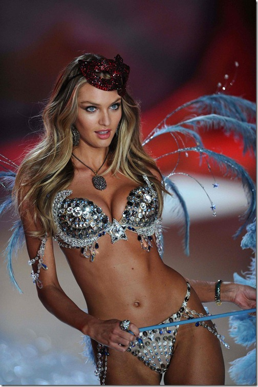 Candice Swanepoel Victoria's Secret Fashion Show 031