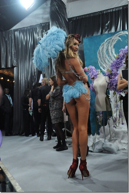 Candice Swanepoel Victoria's Secret Fashion Show 040