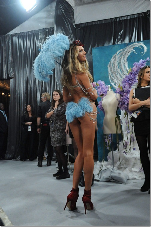 Candice Swanepoel Victoria's Secret Fashion Show 041