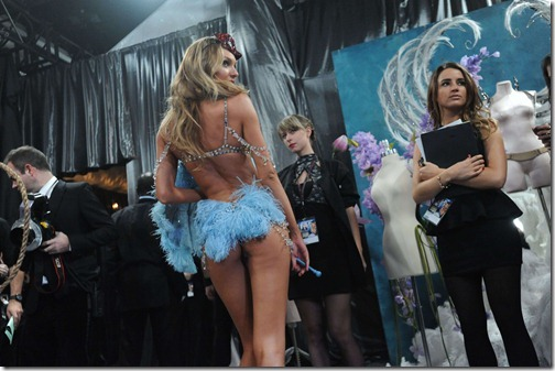 Candice Swanepoel Victoria's Secret Fashion Show 043