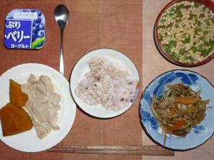 胚芽押麦入り五穀米,カボチャの煮つけ,ゆで豚の出汁生姜漬け,もやしとニラの蒸し炒め,納豆汁,ヨーグルト