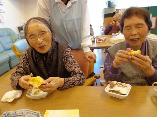 芋煮会・焼き芋数枚2+007_convert_20121101154644