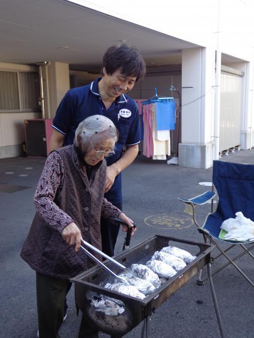 芋煮会・焼き芋数枚2+003_convert_20121101154529