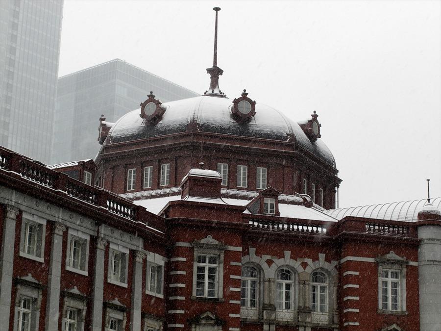 雪東京駅01