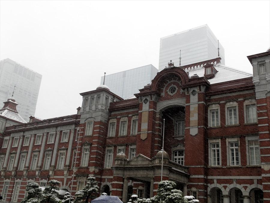 雪東京駅02