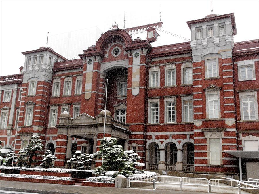 雪東京駅04