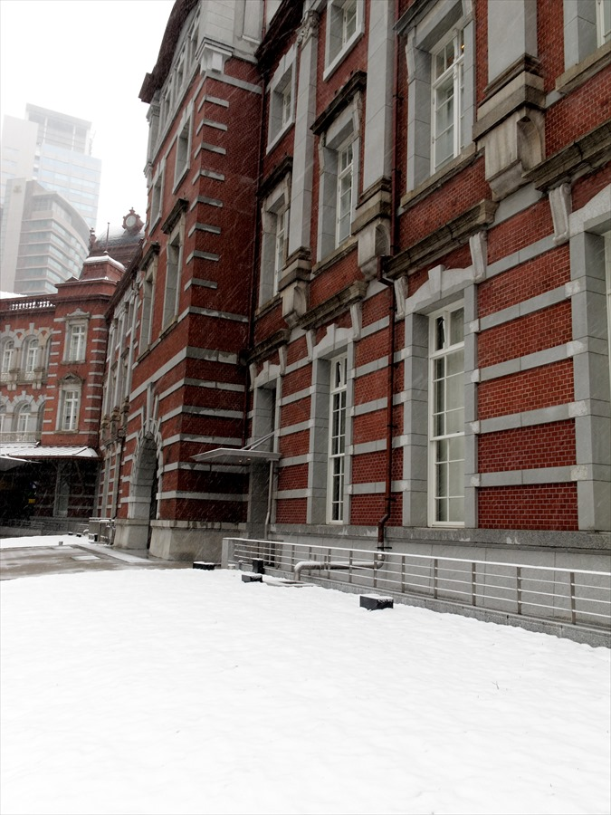 雪東京駅05