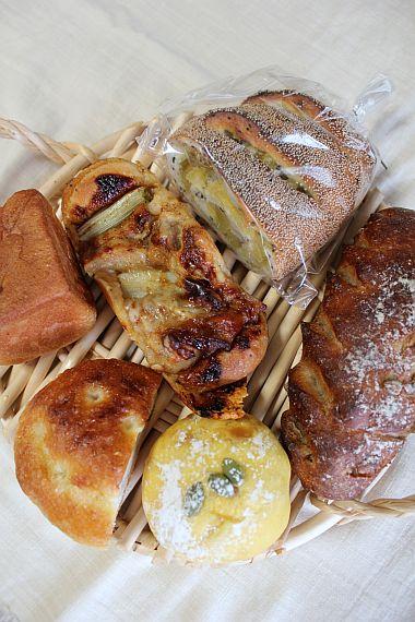 乃毘のパン。