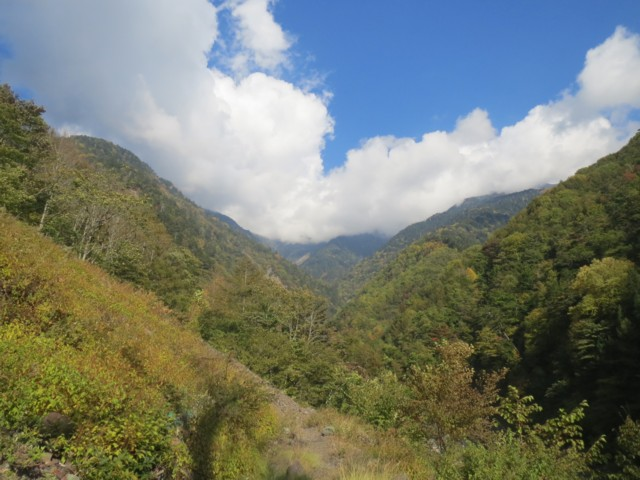 10月19日 聖岳ピークは雲の中