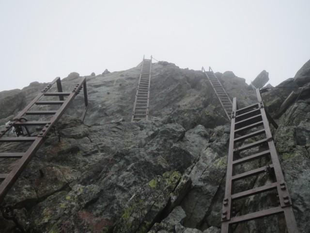 10月26日 槍ヶ岳ピークへのハシゴハシゴ