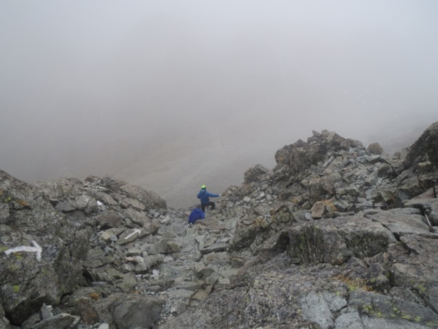 10月26日 山荘が見えないくらい真っ白