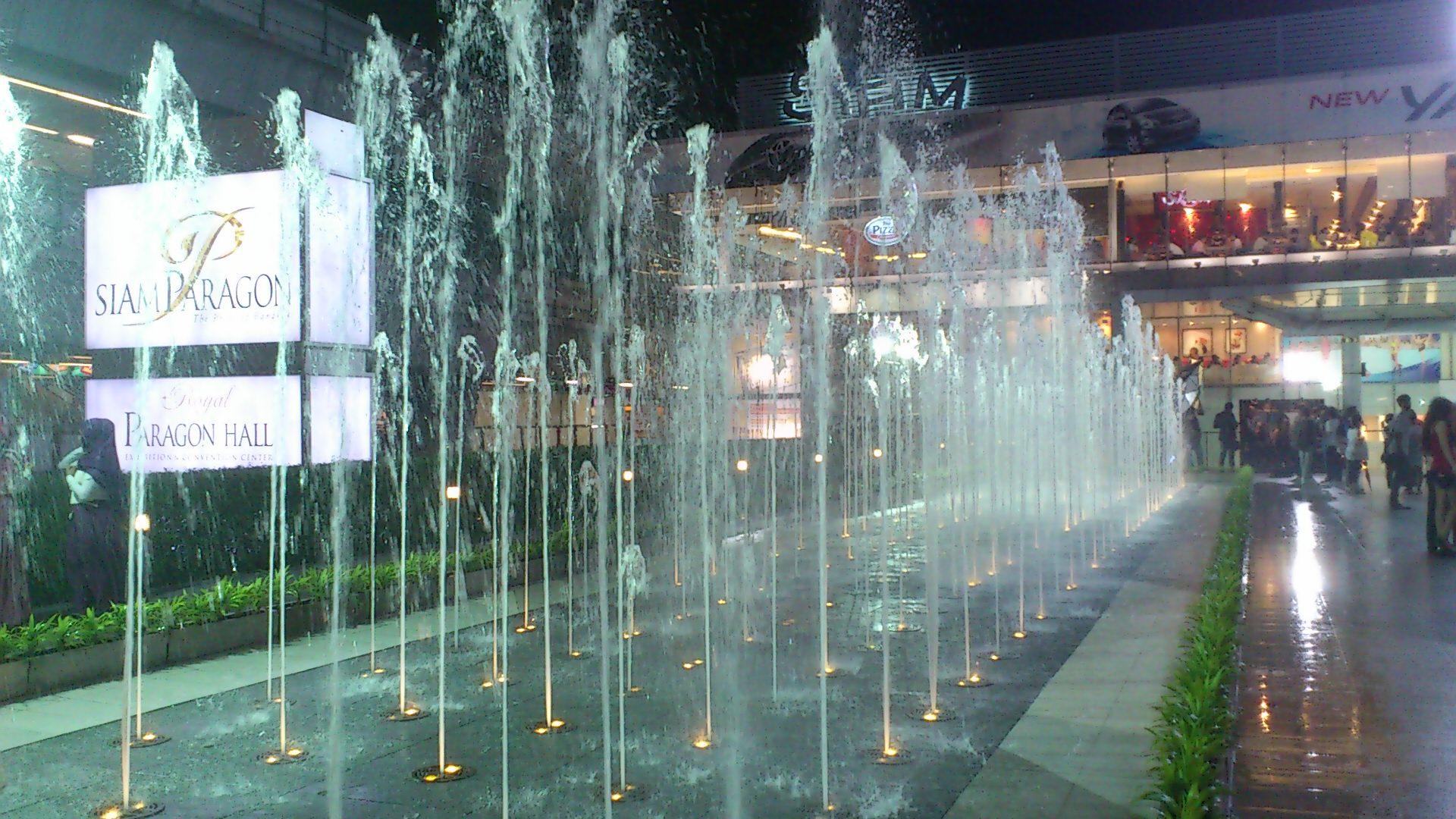 サイアムパラゴン駅前 噴水2