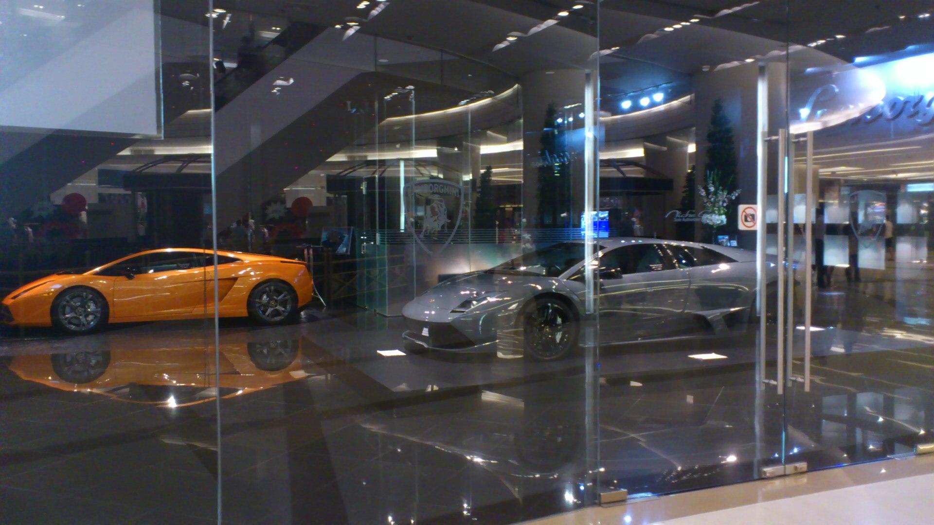 サイアムパラゴン高級車