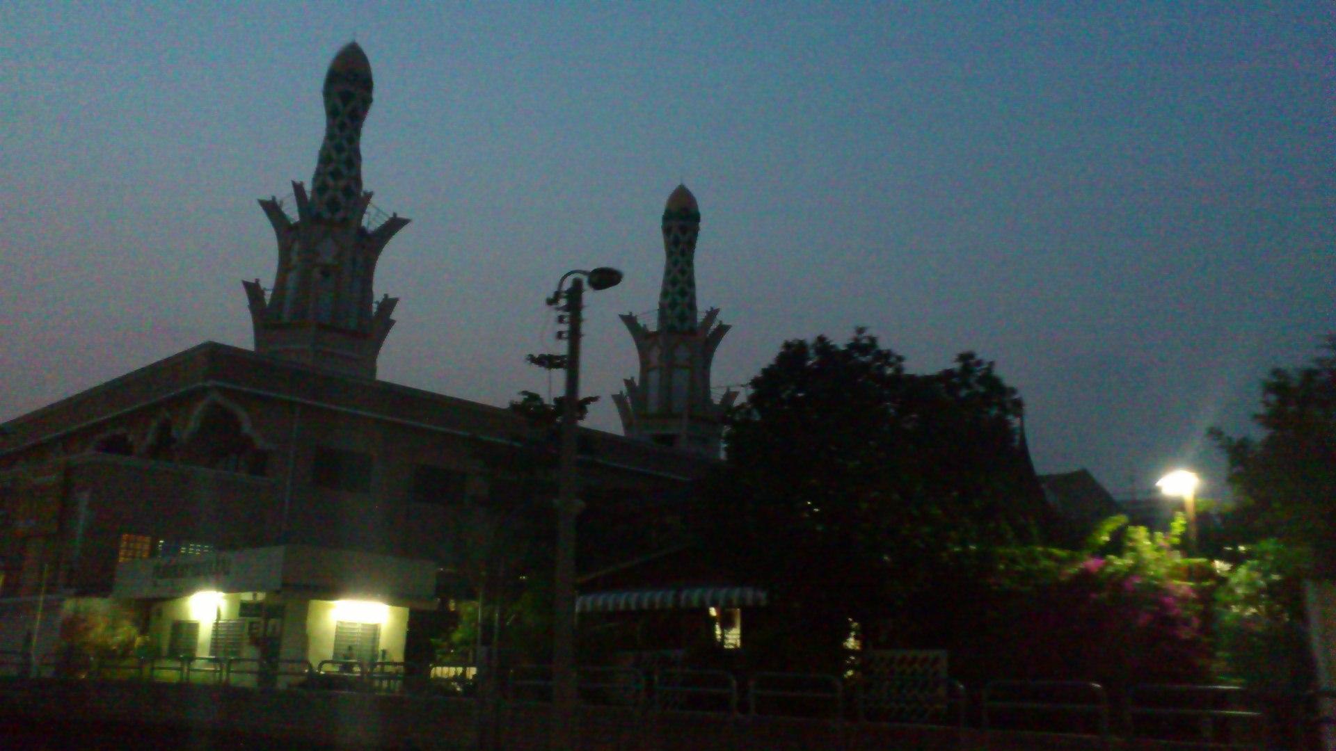 センセーブ運河 モスク