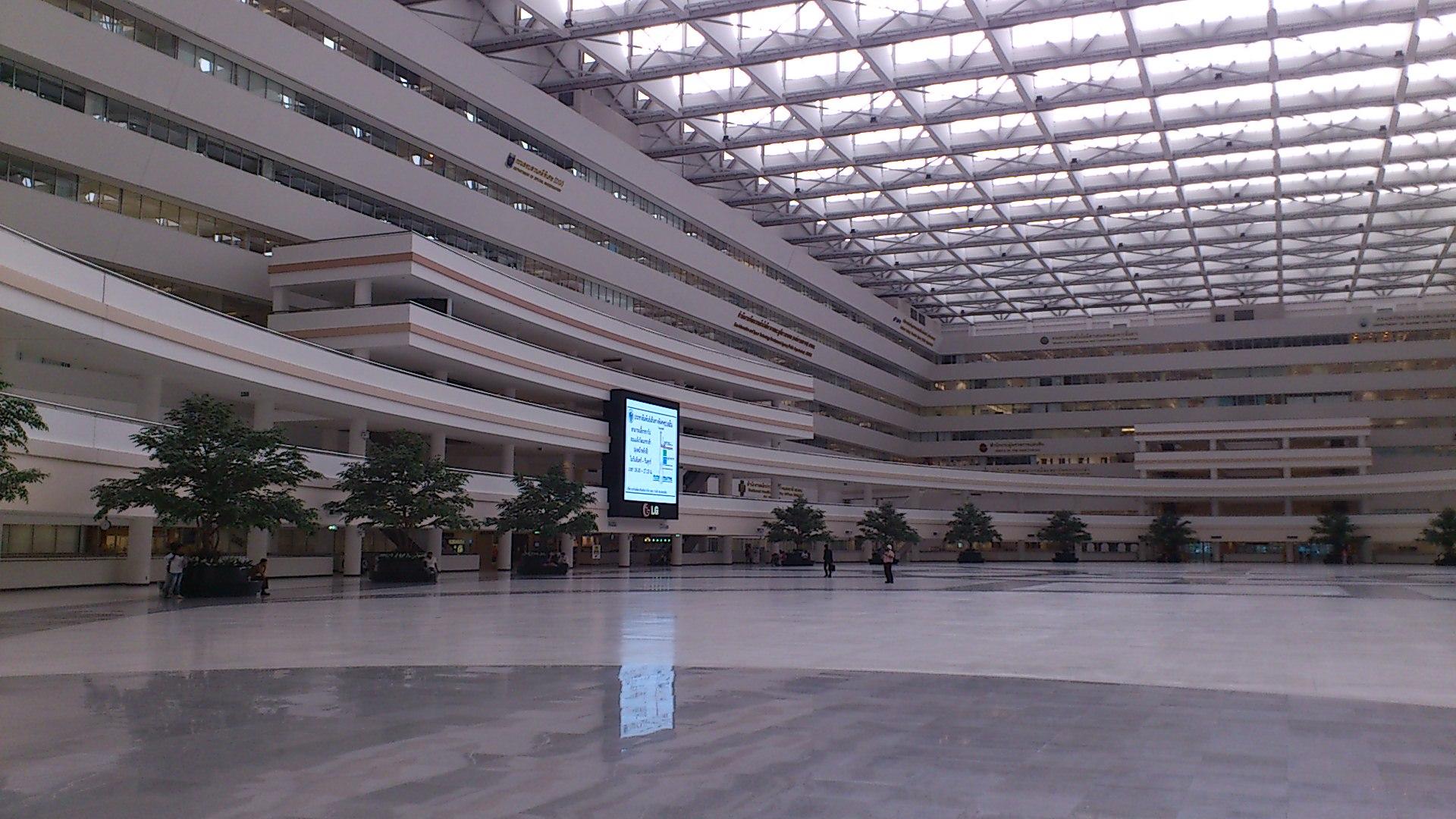 総合庁舎内1