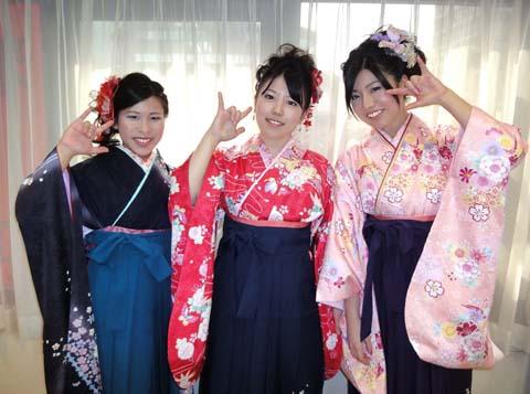 卒業式、袴(はかま)着物の着付、ヘア&メイク予約受付中