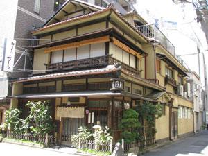 「竹むら」 (神田淡路町)で、堂々とボッチでお汁粉!