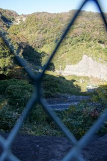 浦賀道(鎌倉):久野谷・坂上より諏訪ケ谷を覗き込む