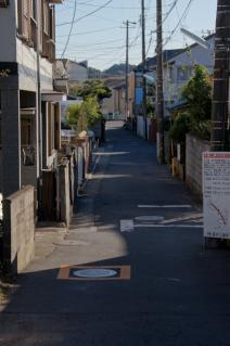 浦賀道(鎌倉):新宿踏切から行く末を見遣る
