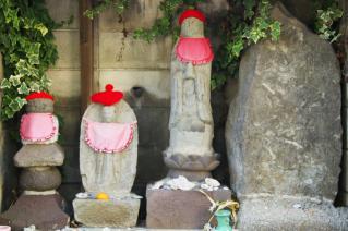 浦賀道(鎌倉):小坪・新宿の石碑群