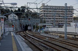 京浜急行:逸見駅より安針塚駅方面を望む