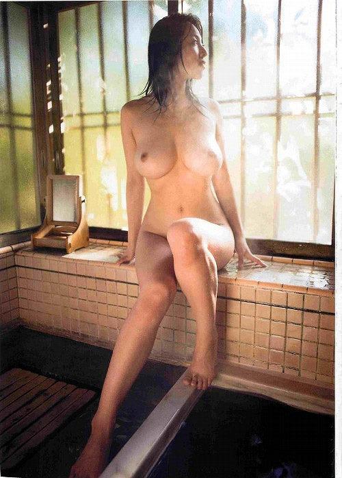 坂ノ上朝美Gカップ美巨乳おっぱい画像-b05.jpg