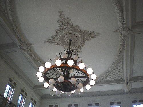 旧秋田銀行・営業室照明