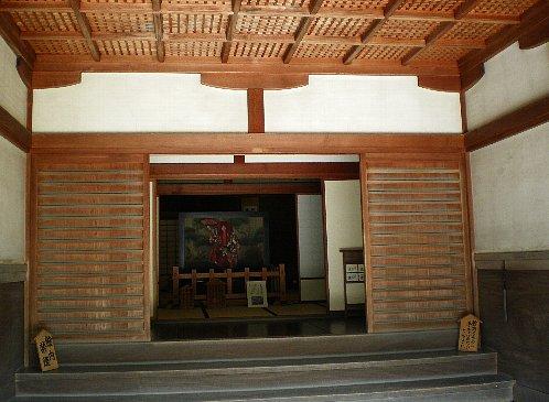 椿寿荘 玄関内
