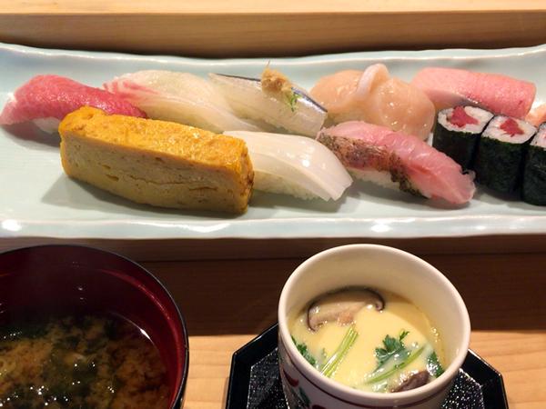 横丁君家 お寿司