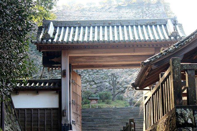 千人殺しの石垣(延岡城)