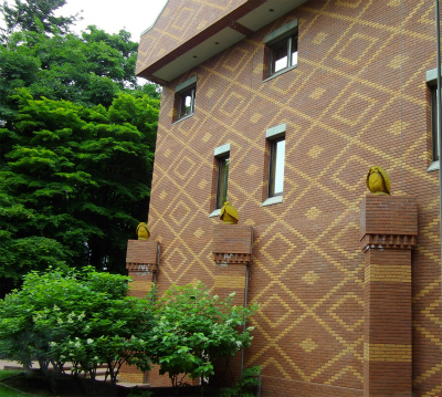 北海道ホテル煉瓦壁(中庭)