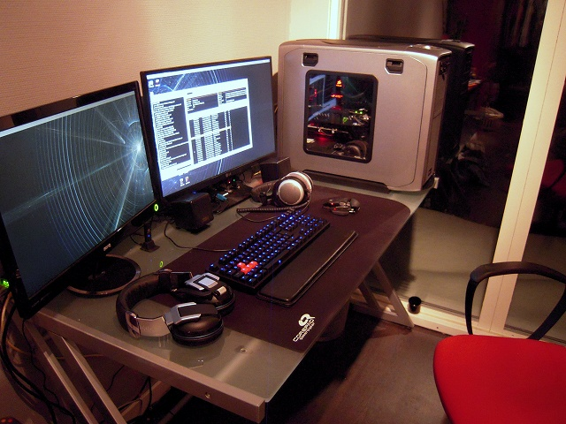 Desktop14_100.jpg