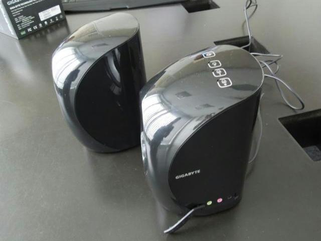 GIGABYTE_GP-S3000_03.jpg