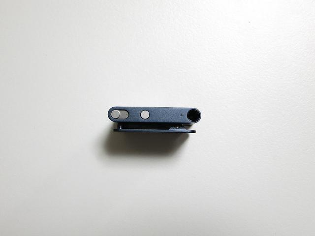iPod_shuffle_slate_05.jpg